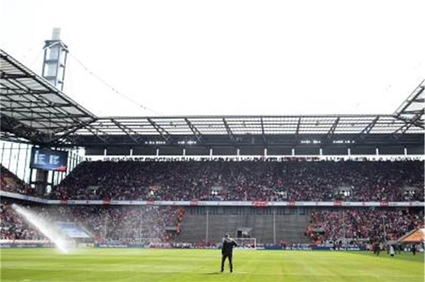 1. FC Köln benennt Tribüne nach Hans Schäfer
