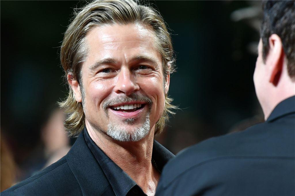 Brad Pitt Neue Freundin 2021