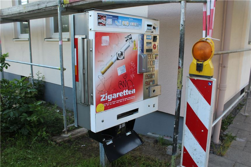 Zigarettenautomat Aufgebrochen